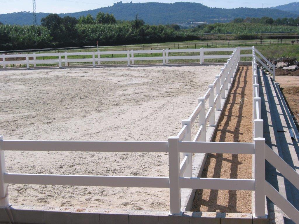 Fm ecuestre y canino instalaciones para caballos y - Cercados para perros ...